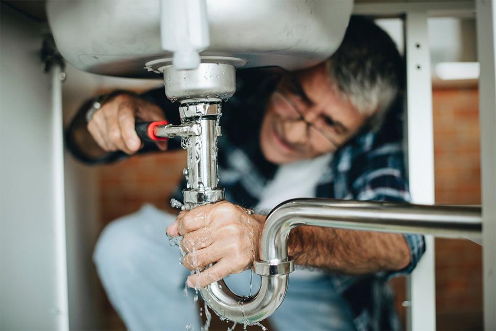 Koncentreret senior reparerer utæt vandlås
